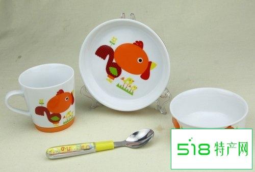 在挑选幼儿餐具上该怎么辨别优劣