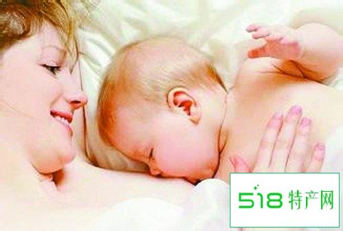 尽早喂母乳、让宝宝吃饱可以预防母乳性黄疸