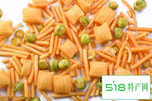 宝宝咽喉肿痛要少吃油炸零食多吃新鲜蔬果