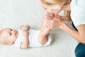 四个月宝宝脑损伤症状