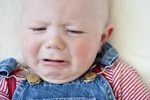 三个月宝宝可以坐抱吗