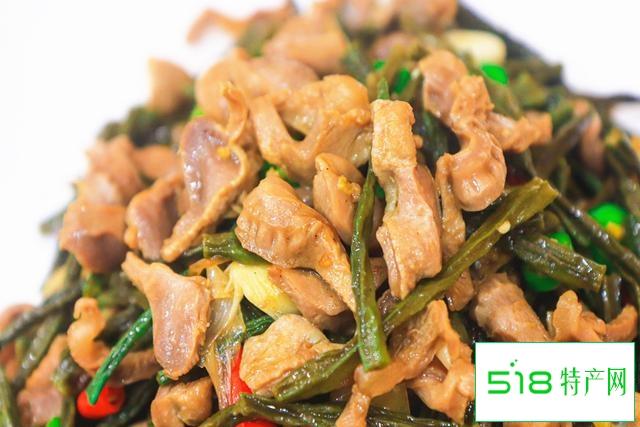 夏天,这种碱性蔬菜和鸡胗一起炒,干香有嚼劲,下酒下饭特别香